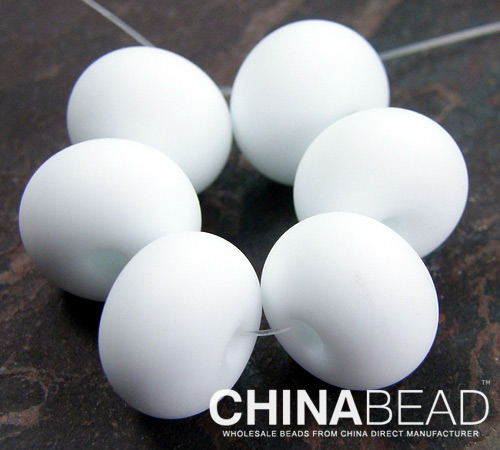 white color matte design spacer beads